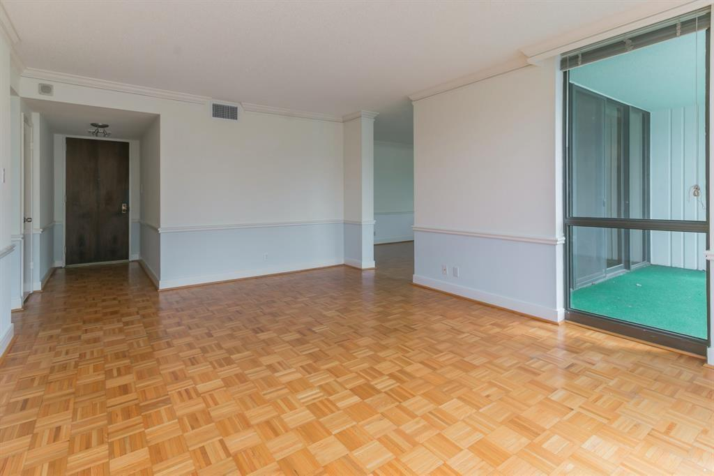 Active | 5001 Woodway Drive #202 Houston, Texas 77056 10