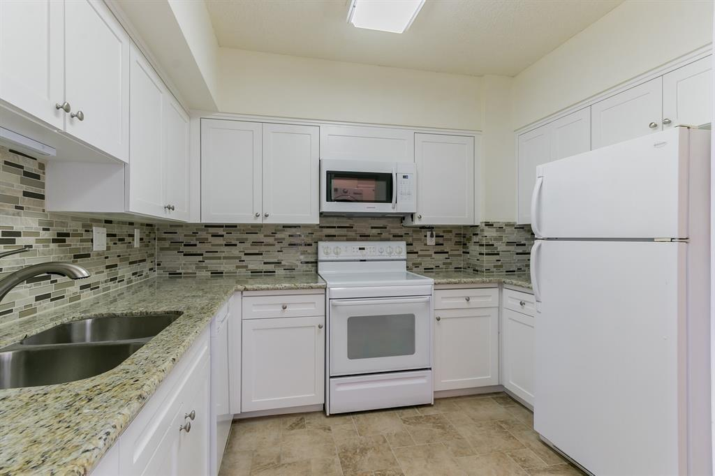 Active | 5001 Woodway Drive #202 Houston, Texas 77056 11