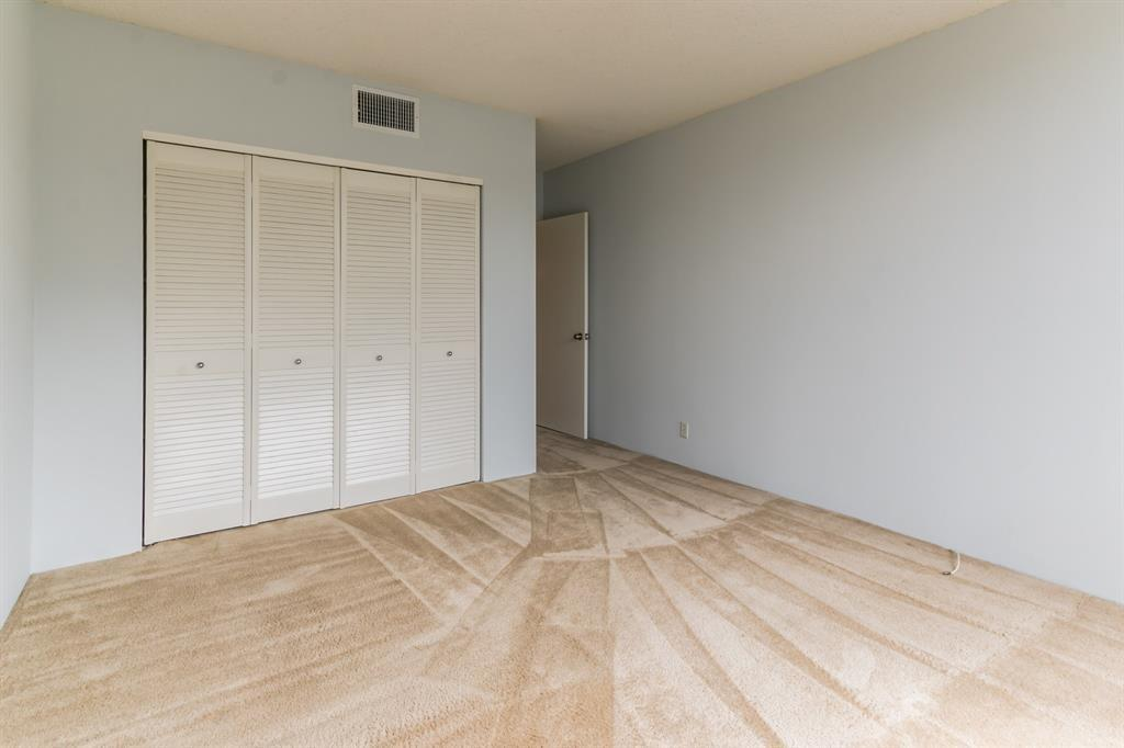 Active | 5001 Woodway Drive #202 Houston, Texas 77056 14