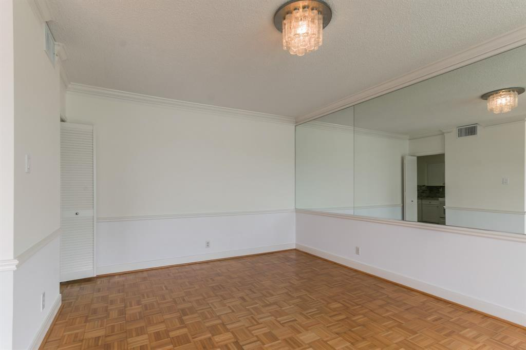 Active | 5001 Woodway Drive #202 Houston, Texas 77056 6