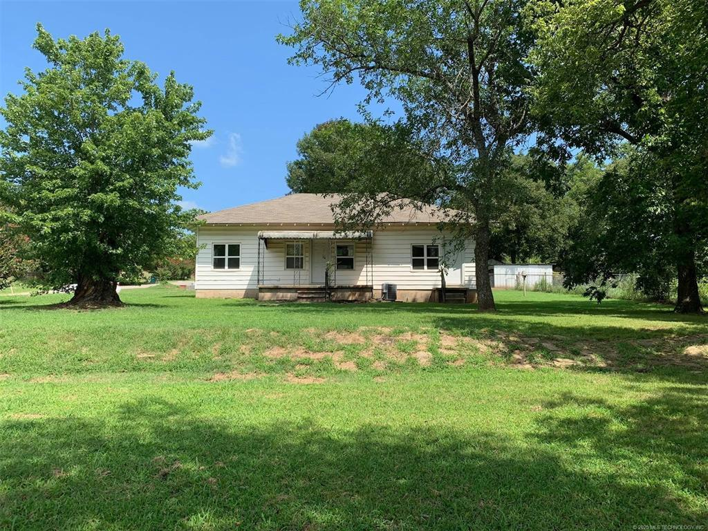 Homes for Sale in Yale, OK   401 S B Street Yale, Oklahoma 74085 1