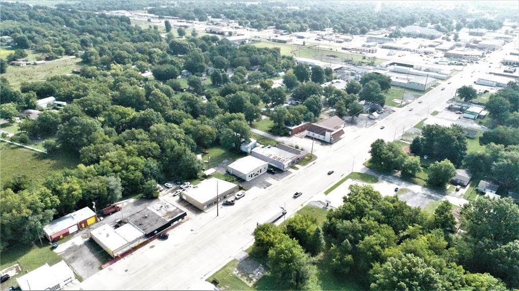 Active | 319 W Graham Avenue Pryor, Oklahoma 74361 4