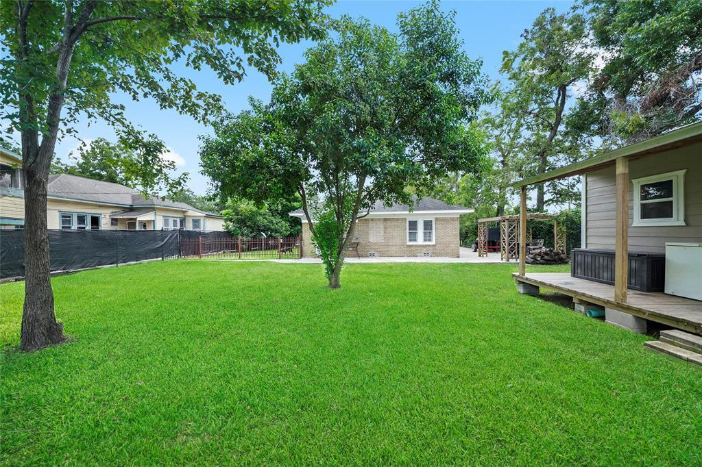 Active   226 Delmar Street Houston, Texas 77011 33