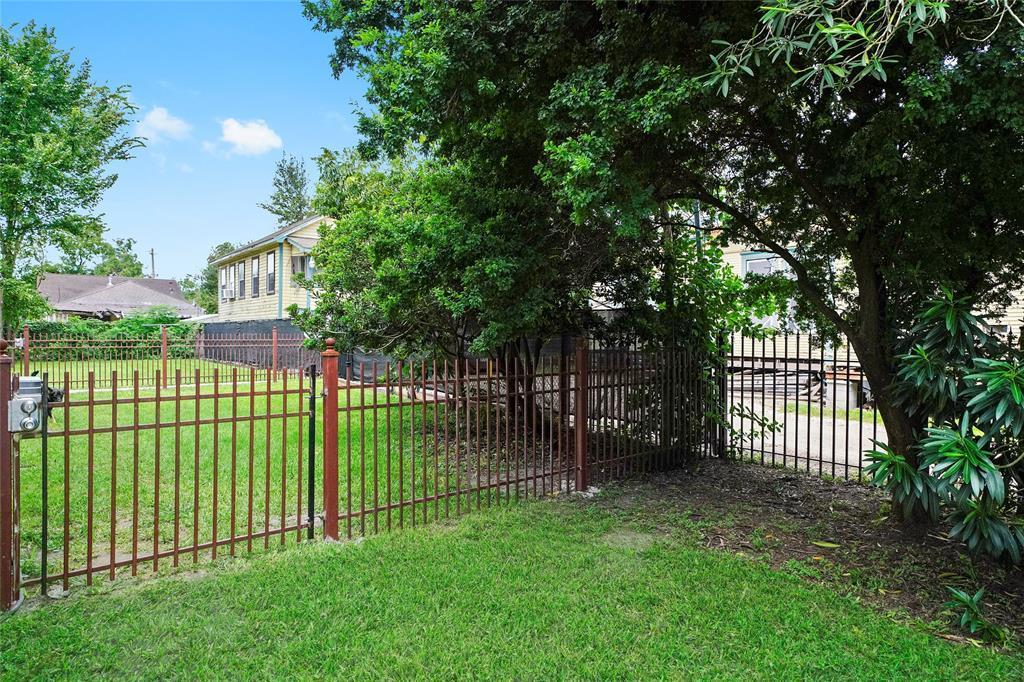 Active   226 Delmar Street Houston, Texas 77011 34