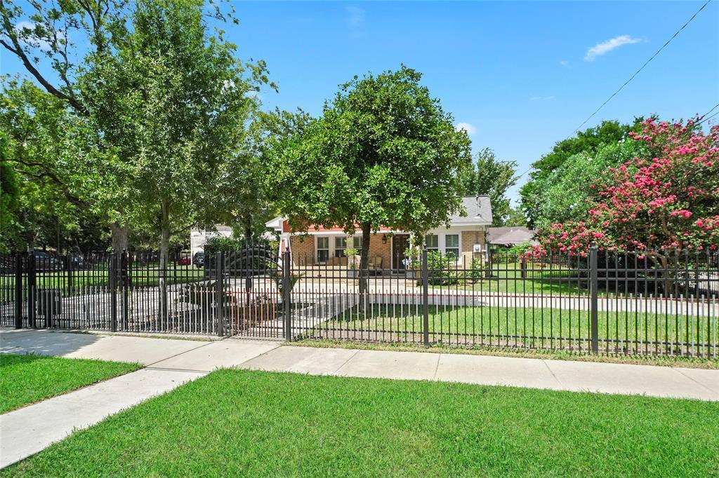 Active   226 Delmar Street Houston, Texas 77011 35