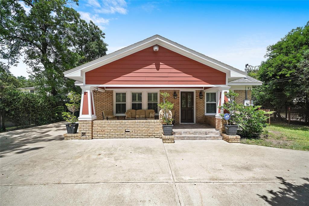 Active   226 Delmar Street Houston, Texas 77011 36