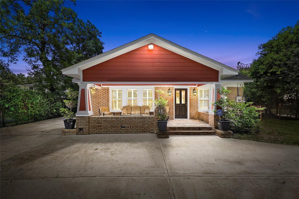 Active   226 Delmar Street Houston, Texas 77011 37