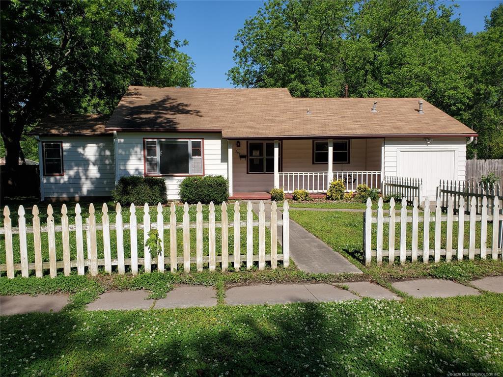 Active | 204 N Rowe Street Pryor, OK 74361 1