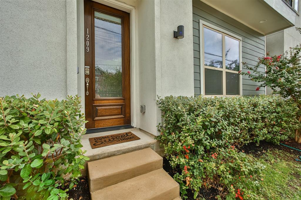 Pending | 1209 Wrightwood  Street Houston, TX 77009 14