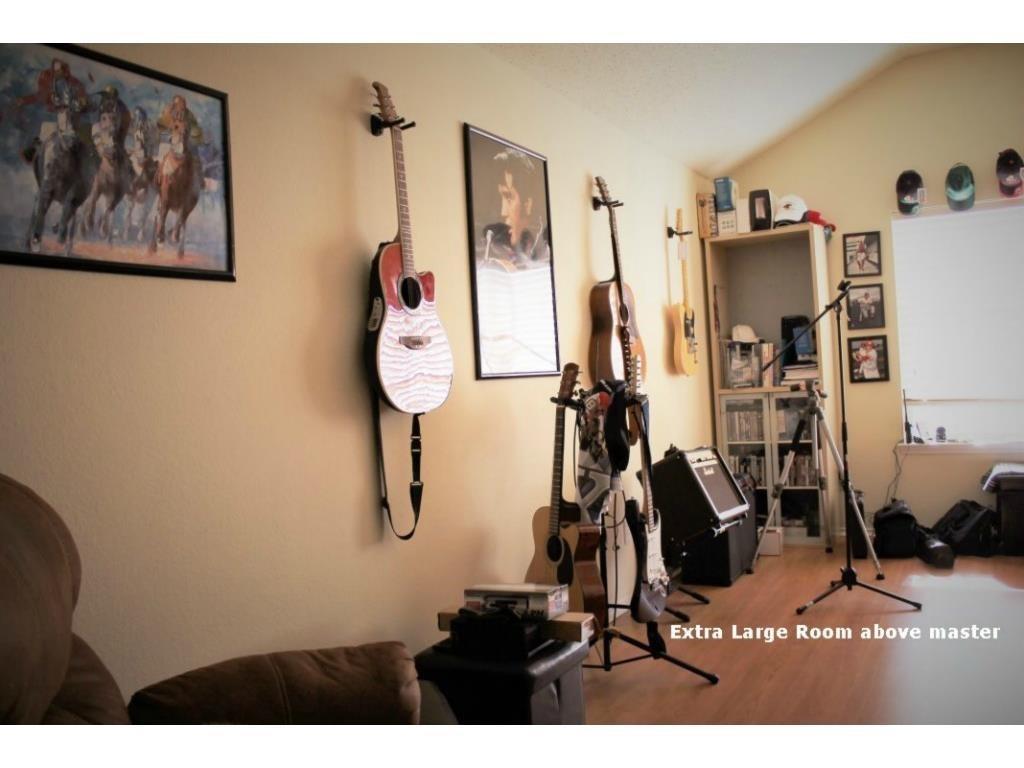 Property for Rent | 7121 Lake Hawkins Drive Arlington, Texas 76002 3