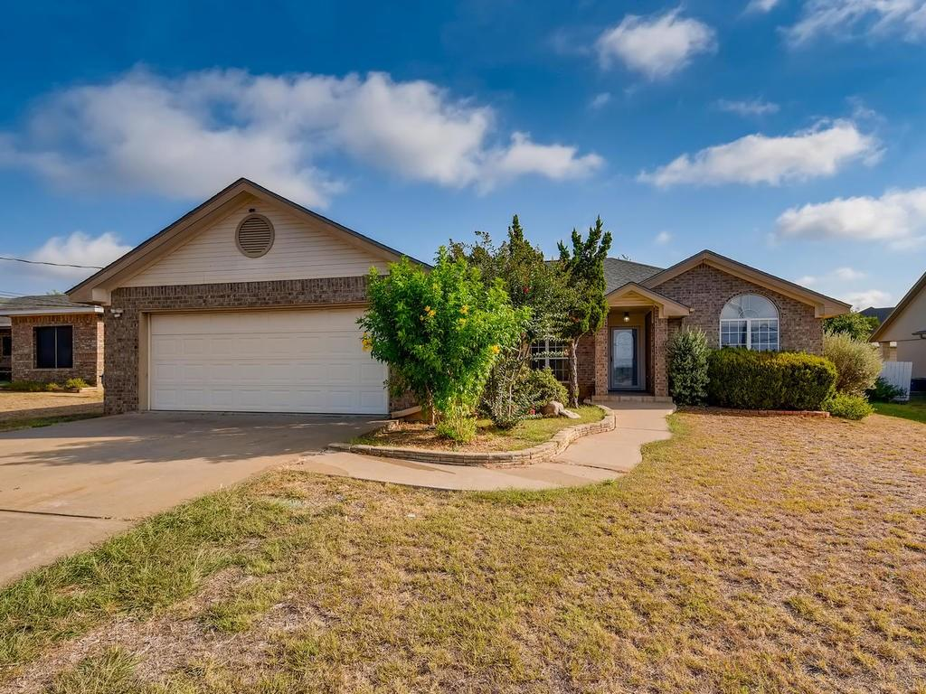 Pending | 303 Bridget  Drive Marble Falls, TX 78654 1