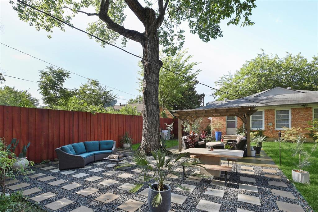 Dallas Real Estate | 2318 Glengariff Drive Dallas, Texas 75228 2