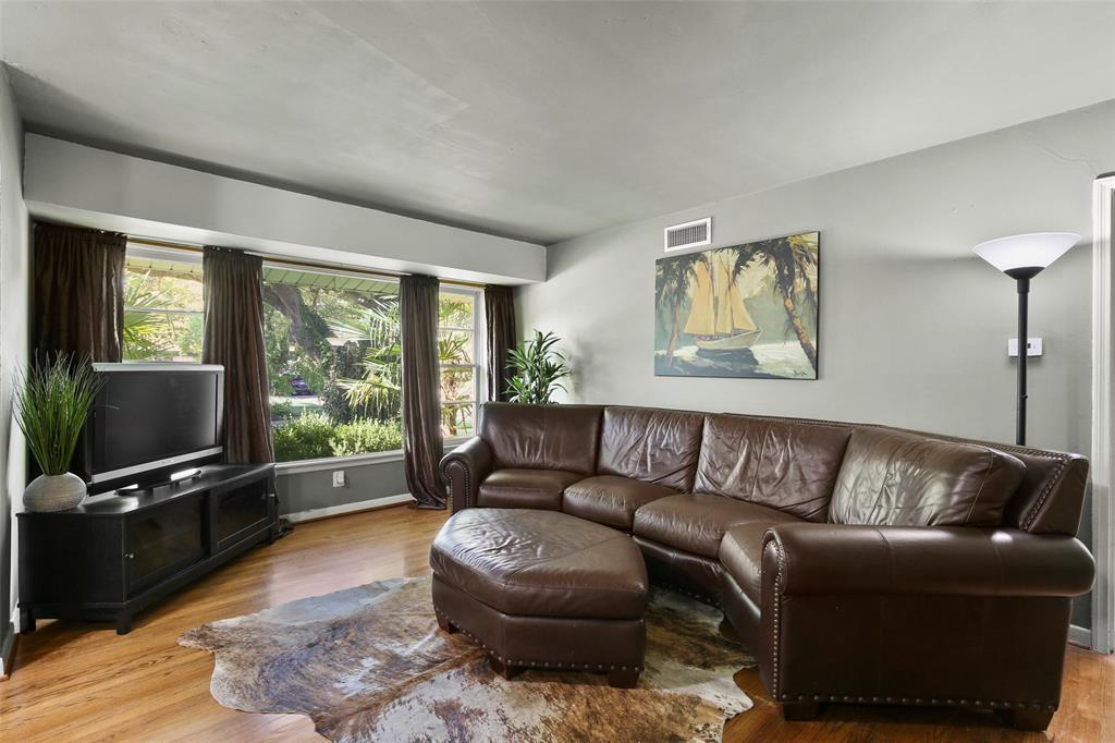Dallas Real Estate | 2318 Glengariff Drive Dallas, Texas 75228 6
