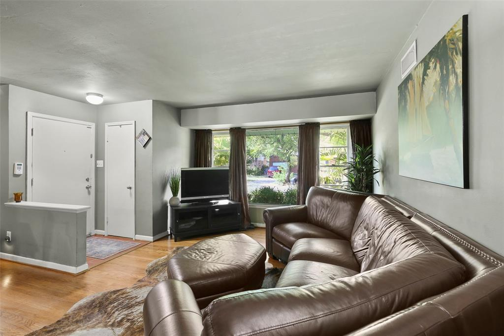 Dallas Real Estate | 2318 Glengariff  Drive Dallas, TX 75228 9