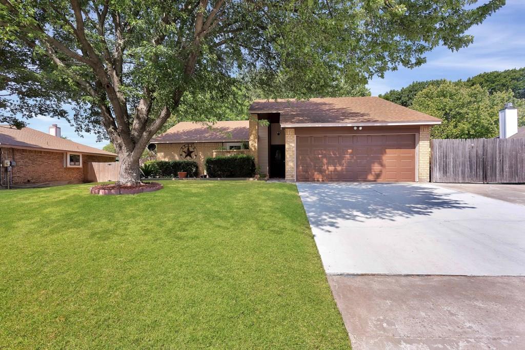 Pending | 416 Little Fox  Lane Fort Worth, TX 76108 1