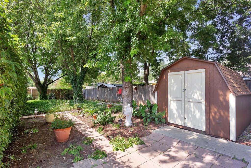Pending | 416 Little Fox  Lane Fort Worth, TX 76108 30