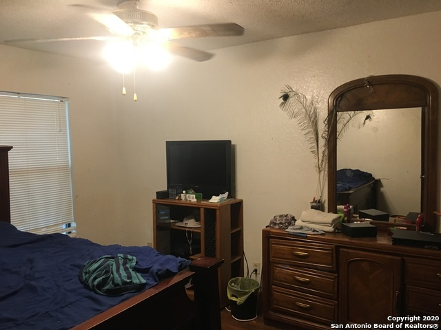 Active | 12007 EDWARDS RD San Antonio, TX 78252 8