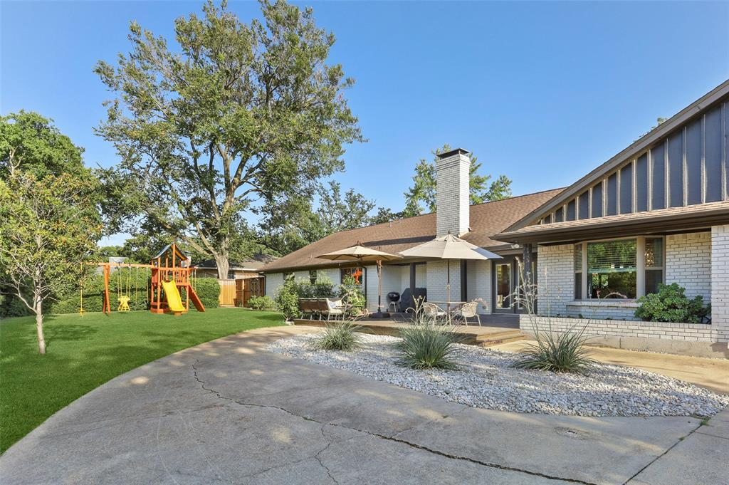 Sold Property | 6929 Briar Cove Drive Dallas, Texas 75254 32