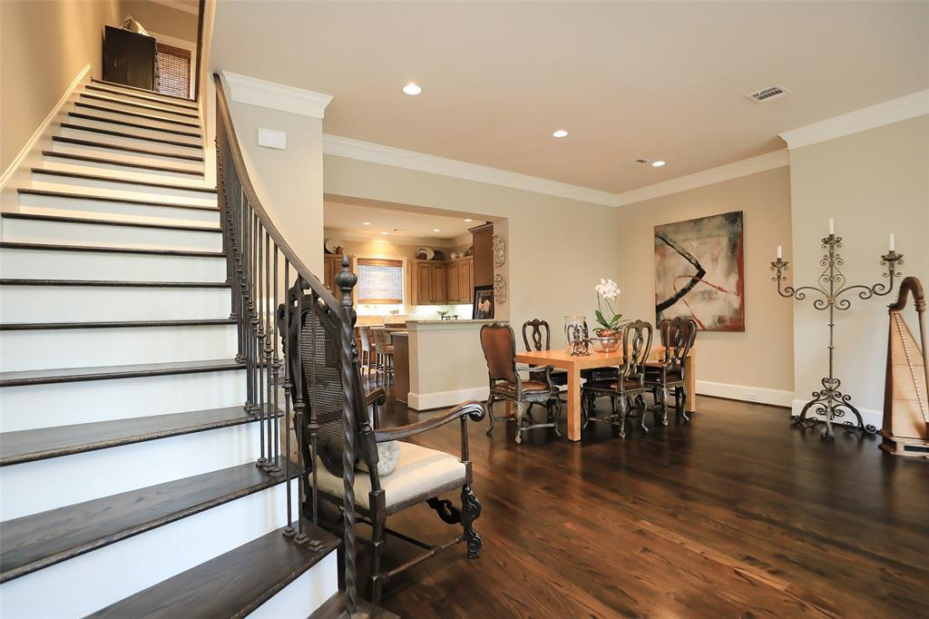 Active | 11 Colonial Row  Drive The Woodlands, TX 77380 5