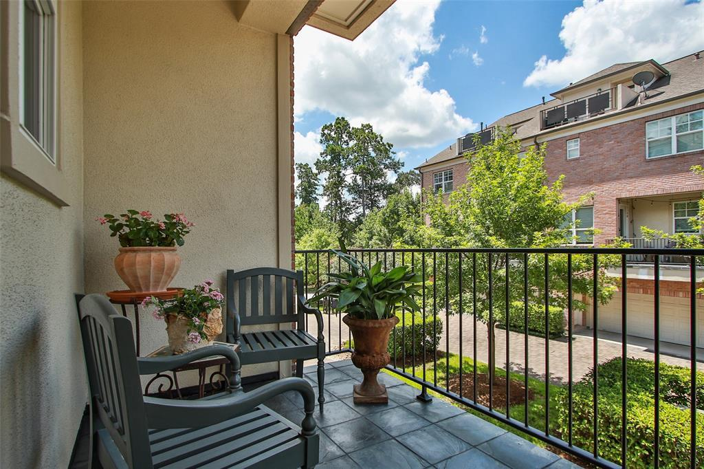 Active | 11 Colonial Row  Drive The Woodlands, TX 77380 9