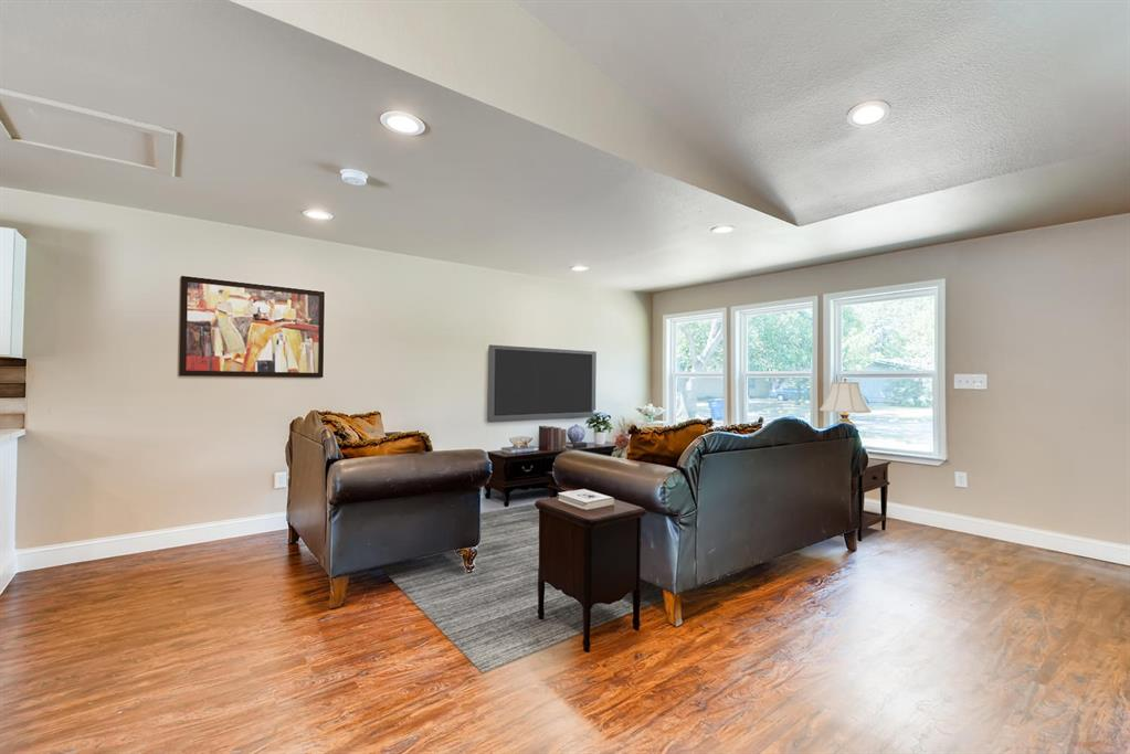 Sold Property | 3225 Dartmoor  Court Dallas, TX 75229 4
