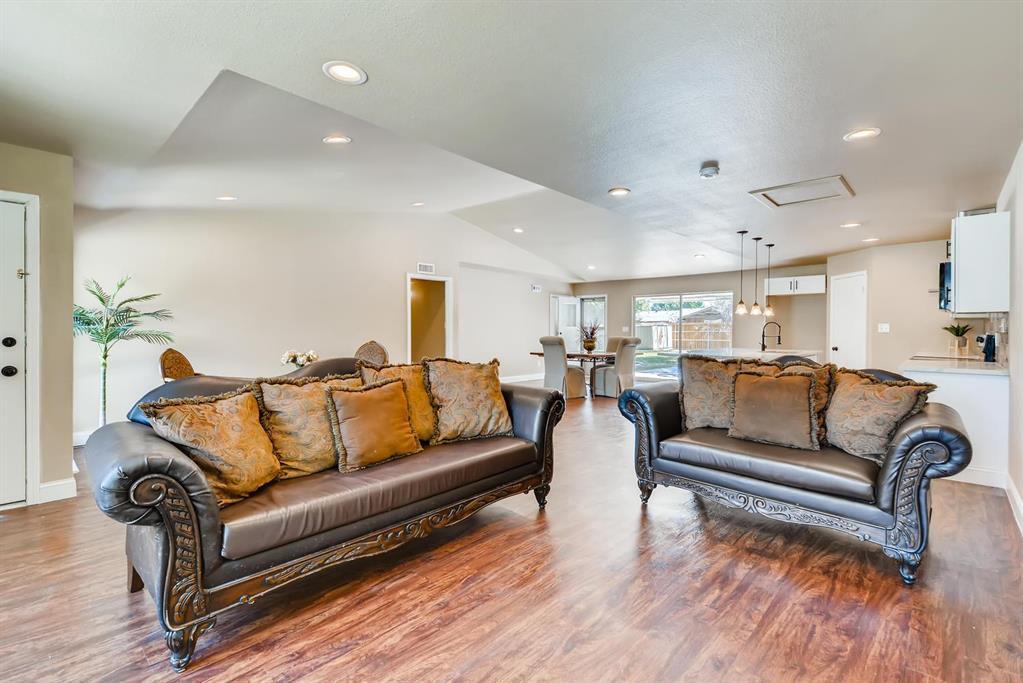 Sold Property | 3225 Dartmoor  Court Dallas, TX 75229 5
