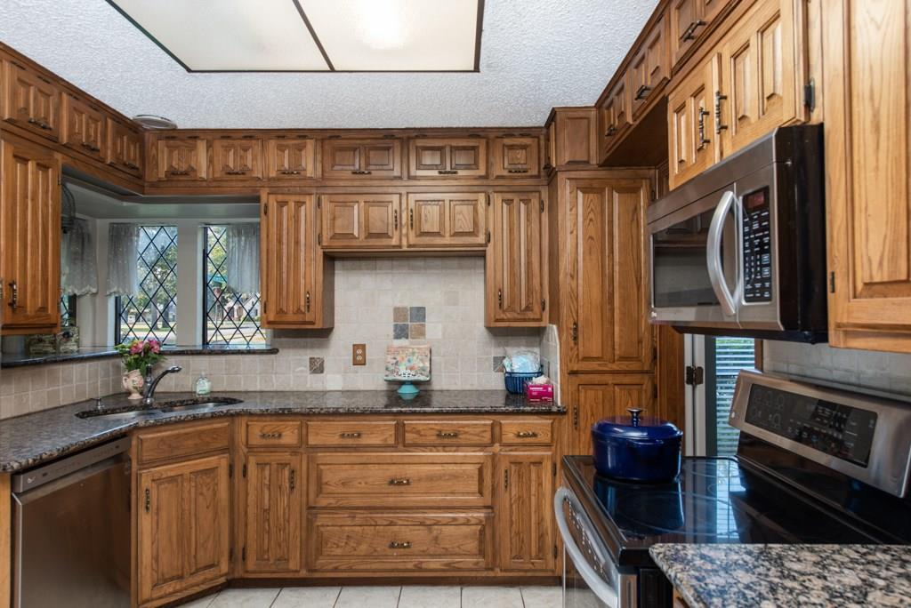 Sold Property | 2549 Huntwick Street Grand Prairie, Texas 75050 9