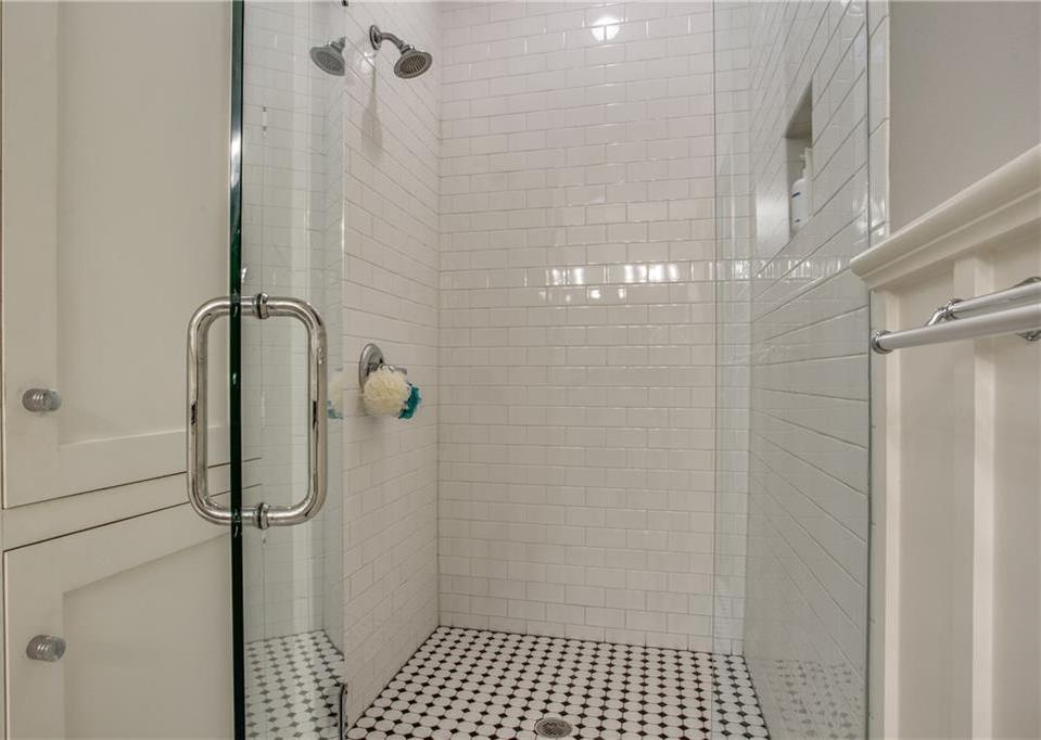 Sold Property   4428 N Hall Street Dallas, Texas 75219 19