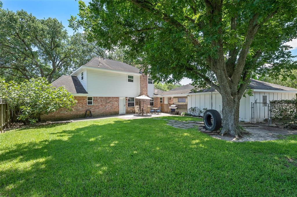 Active | 8914 Haverstock  Drive Houston, TX 77031 32