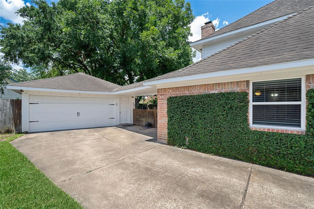 Active | 8914 Haverstock  Drive Houston, TX 77031 36
