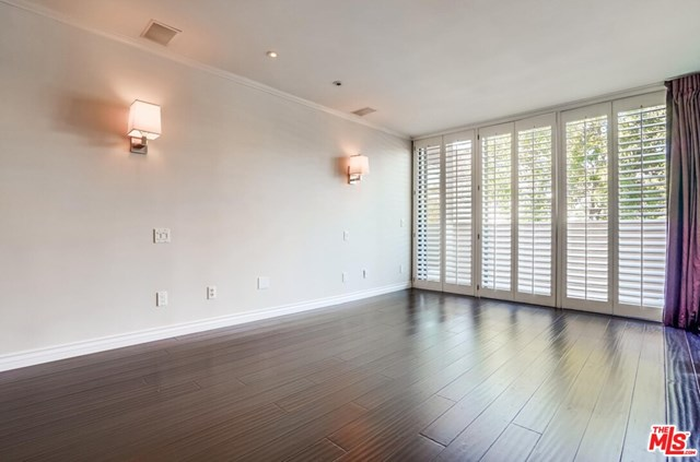 Active | 930 N Wetherly  Drive #302 West Hollywood, CA 90069 8
