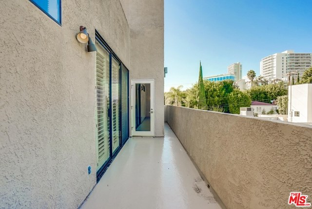 Active | 930 N Wetherly  Drive #302 West Hollywood, CA 90069 19