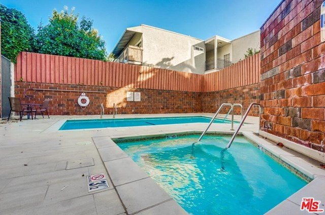 Active | 930 N Wetherly  Drive #302 West Hollywood, CA 90069 21