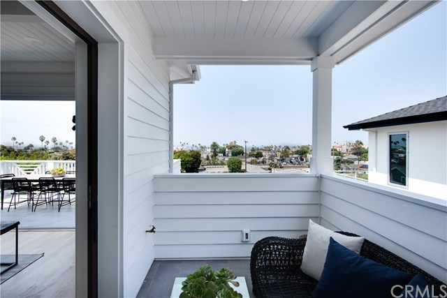 Active Under Contract | 408 S Francisca  Avenue Redondo Beach, CA 90277 9