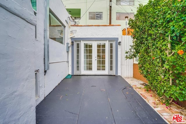 Active   8823 Betty  Way West Hollywood, CA 90069 34