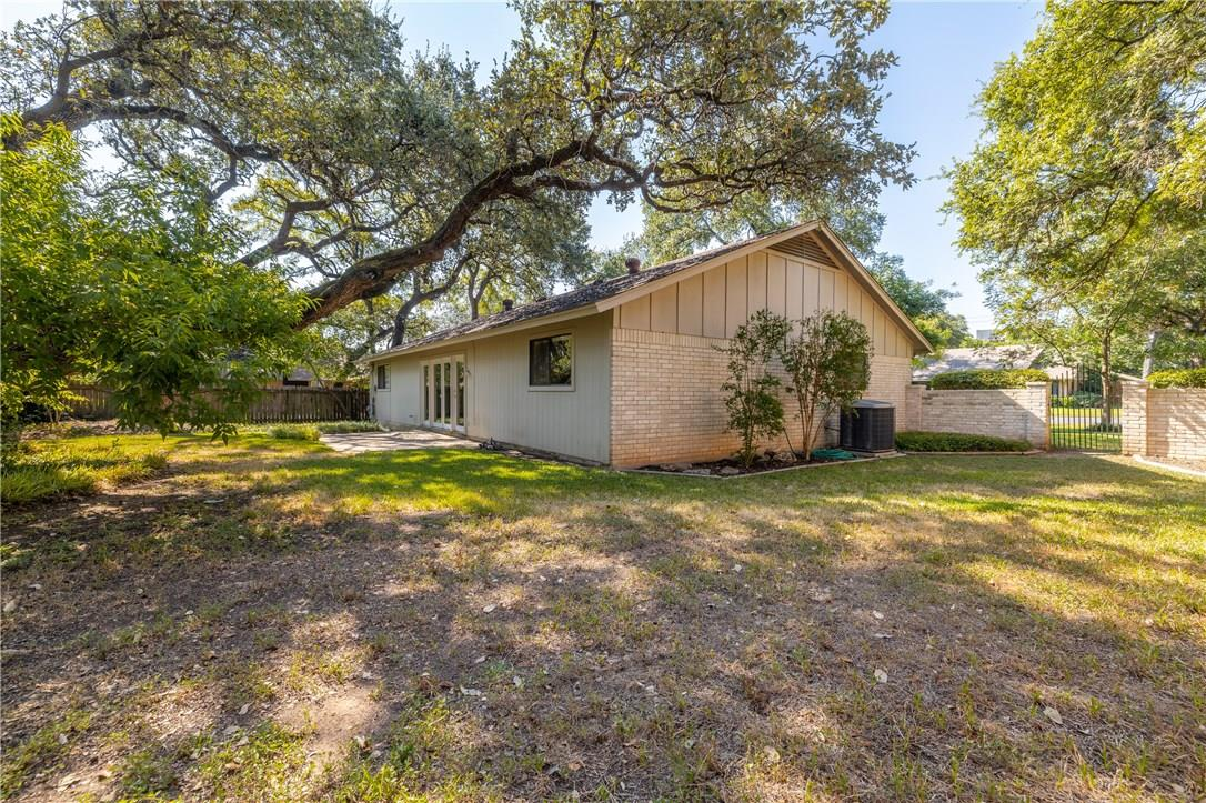 Active | 11107 Alhambra  Drive Austin, TX 78759 26