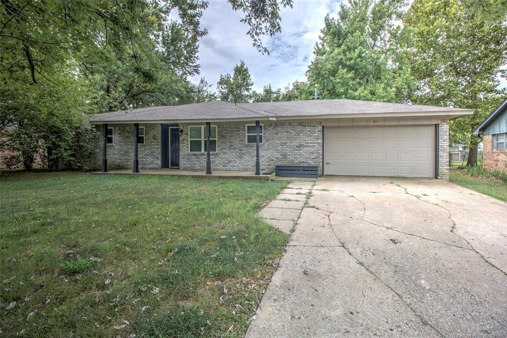 Active | 611 S Maywood Drive Claremore, OK 74017 2