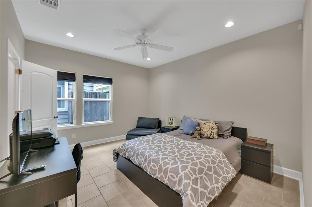 Option Pending | 5320 Avenue J Houston, TX 77011 16