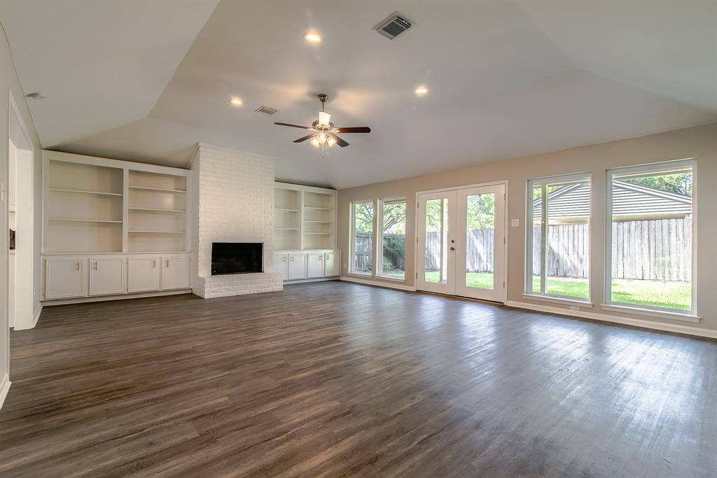 Active | 10334 Lynbrook Hollow  Street Houston, TX 77042 2