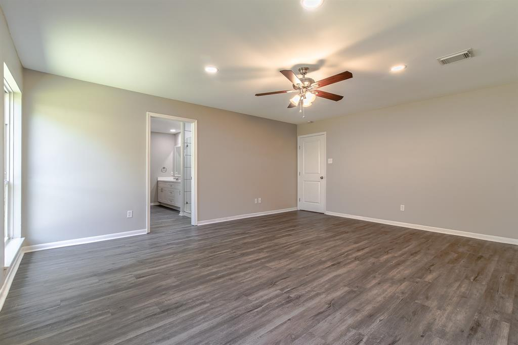 Active | 10334 Lynbrook Hollow  Street Houston, TX 77042 19