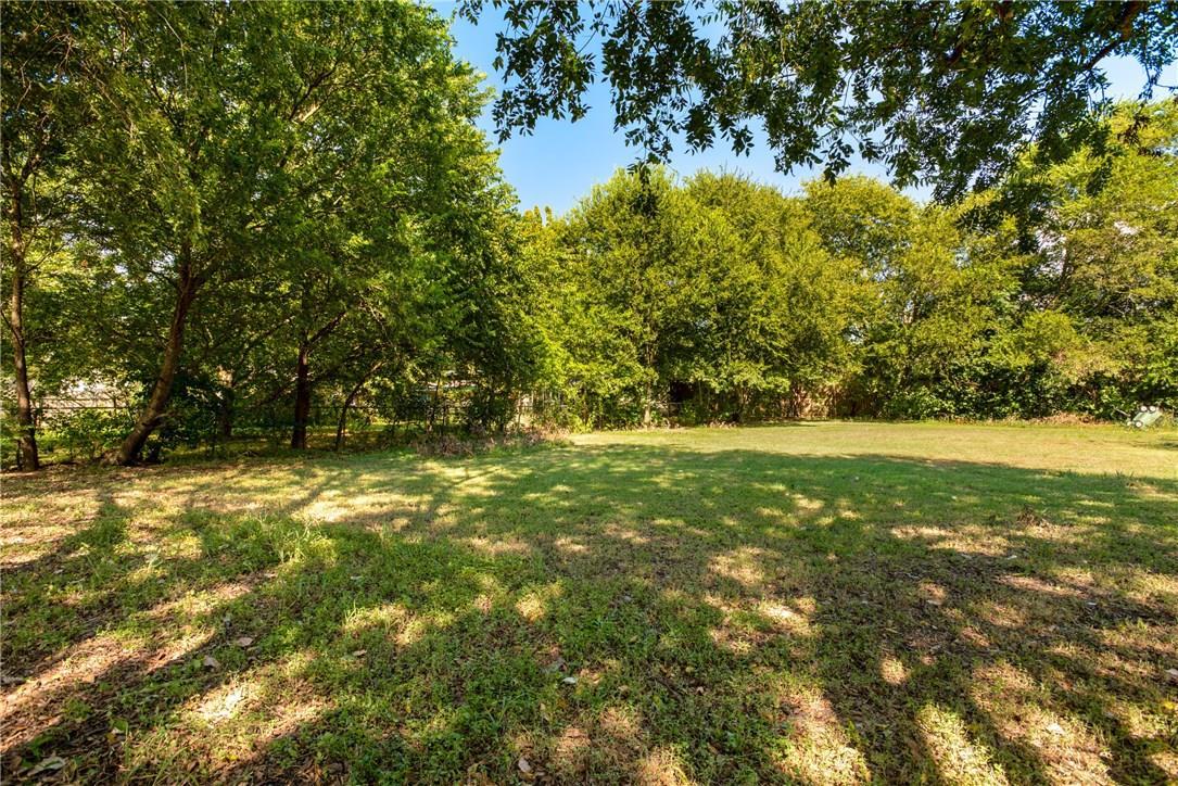 Active | 7101 Meadow  Run Austin, TX 78745 21