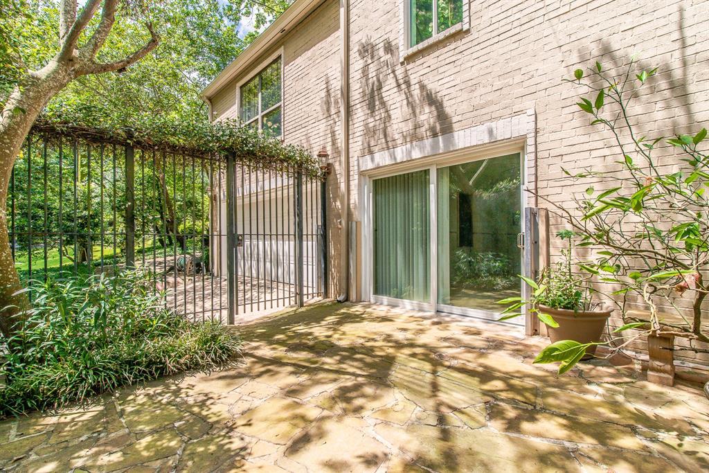Active | 135 Sage  Road Houston, TX 77056 38