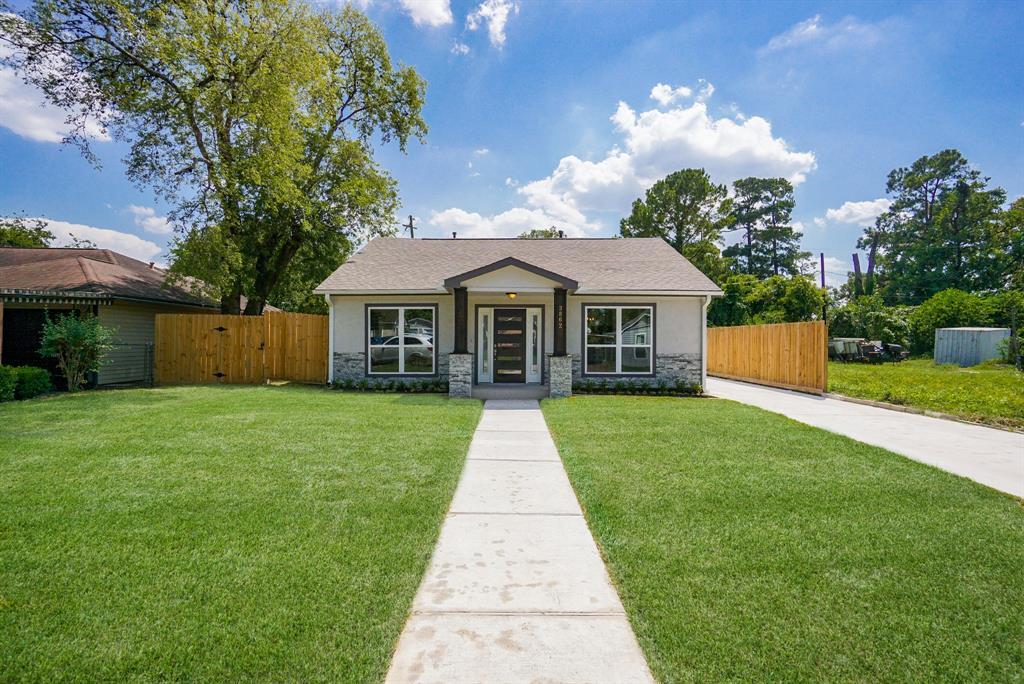 Pending | 3862 Arbor  Street Houston, TX 77004 36