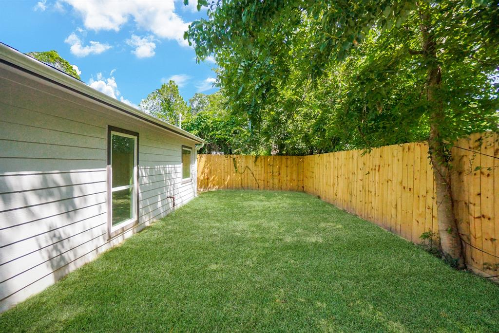 Pending | 3862 Arbor  Street Houston, TX 77004 39