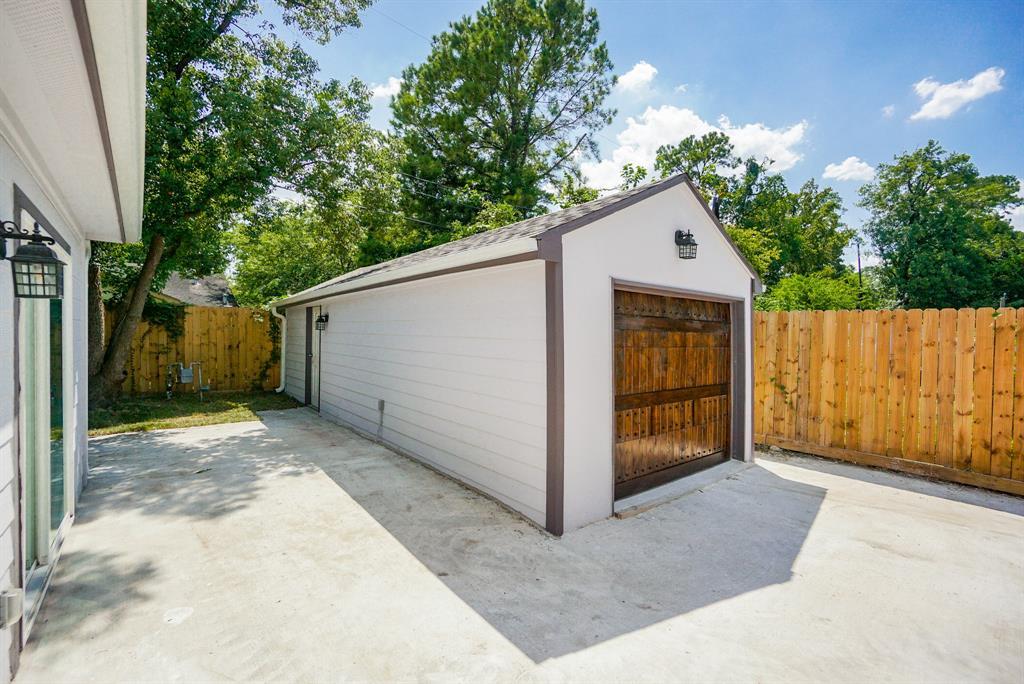 Pending | 3862 Arbor  Street Houston, TX 77004 40