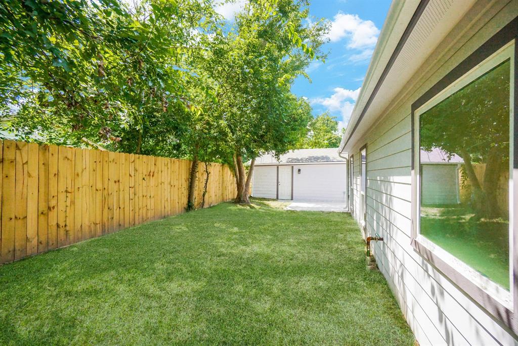 Pending | 3862 Arbor  Street Houston, TX 77004 42