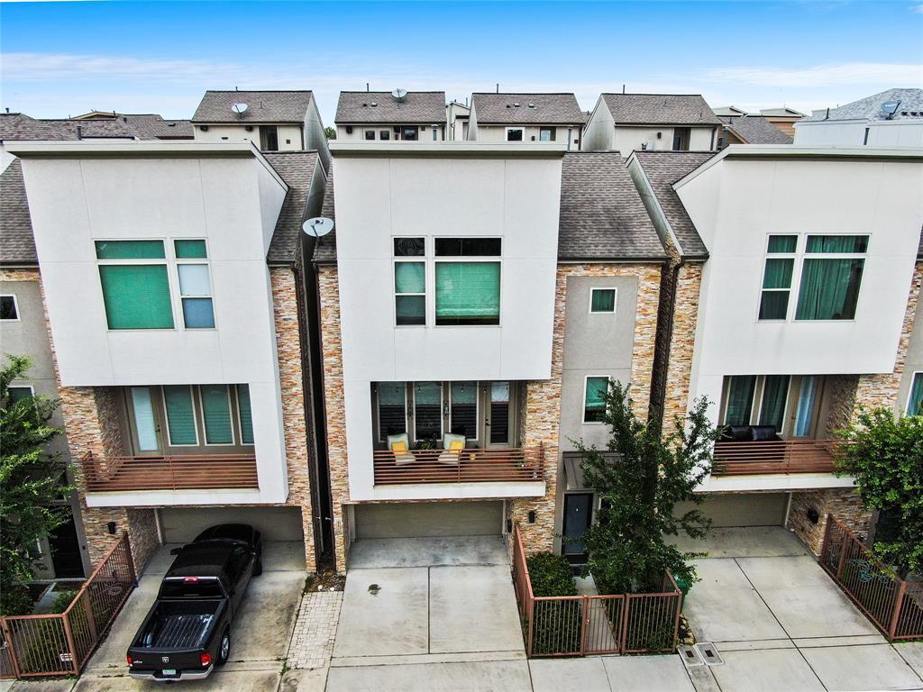 Option Pending | 4418 Schuler Street Houston, Texas 77007 2