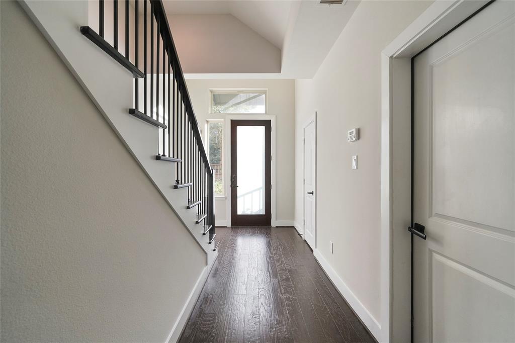 Option Pending | 4418 Schuler Street Houston, Texas 77007 5