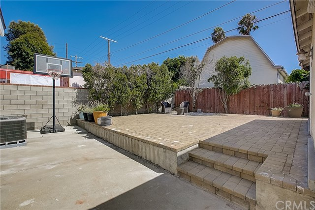 Closed   2614 184th  Street Redondo Beach, CA 90278 35