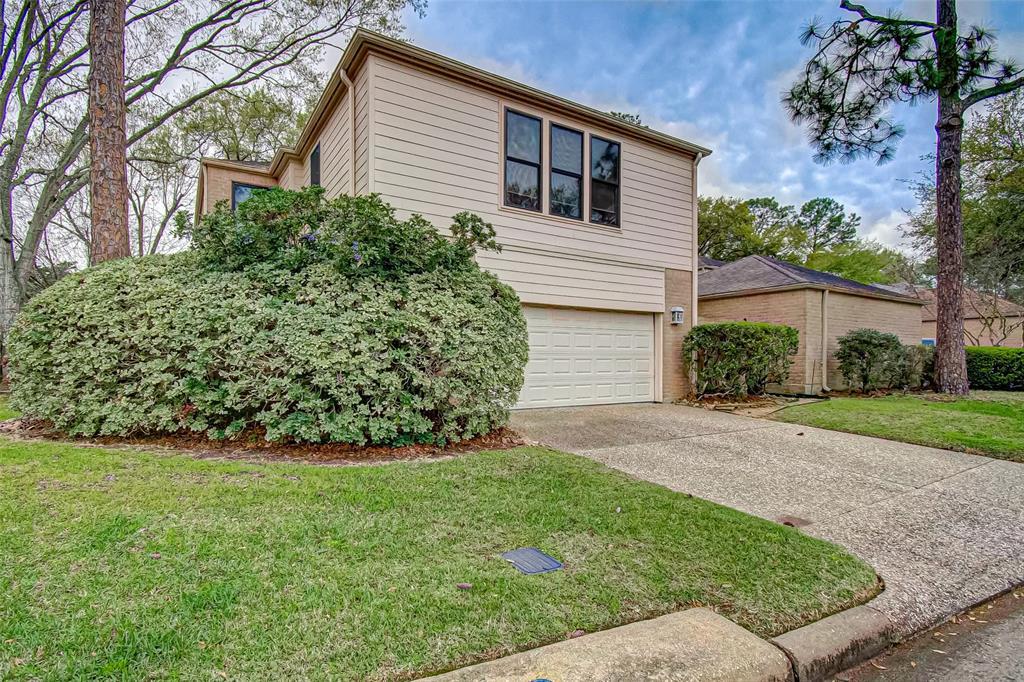 Option Pending   330 W Fair Harbor Lane Houston, Texas 77079 3